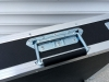 Метална дръжка с пружина за тонколони и кейсове Adam Hall 34482 - Употреба